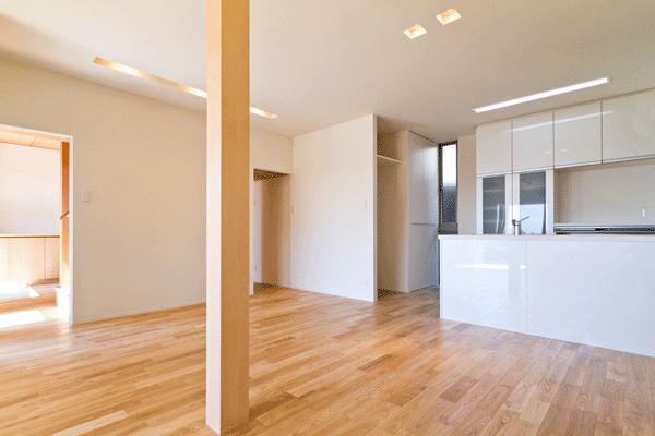 K邸・眺望を楽しむ家、耐震補強リノベーションの部屋 明るく広がりのあるLDK