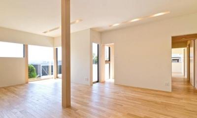 明るいリビング|K邸・眺望を楽しむ家、耐震補強リノベーション