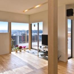K邸・眺望を楽しむ家、耐震補強リノベーション (眺望を取り込むリビング)
