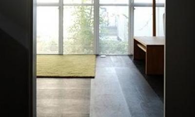 落ち着きのあるリビング|『上足洗の家』豊かな住まい、居心地の良い住まいへリノベーション