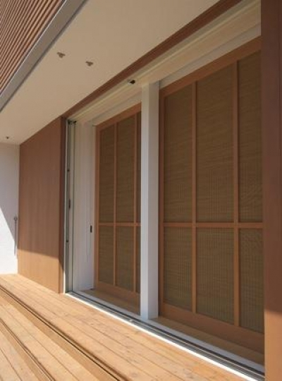 こだわりの木製建具 (『豊田町の家 』心地よい距離感の二世帯住宅)