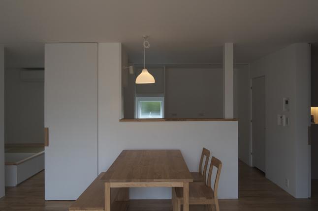 『豊田町の家 』心地よい距離感の二世帯住宅の部屋 ナチュラルな1階ダイニング