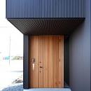 木製の玄関ドア