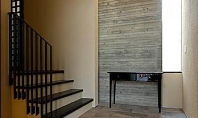 『NKK』パティオのある上質なモダン住宅 (玄関ホール)