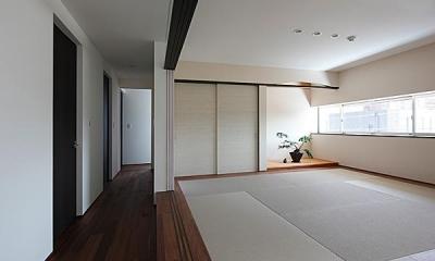 『NKK』パティオのある上質なモダン住宅 (開放的な和室)