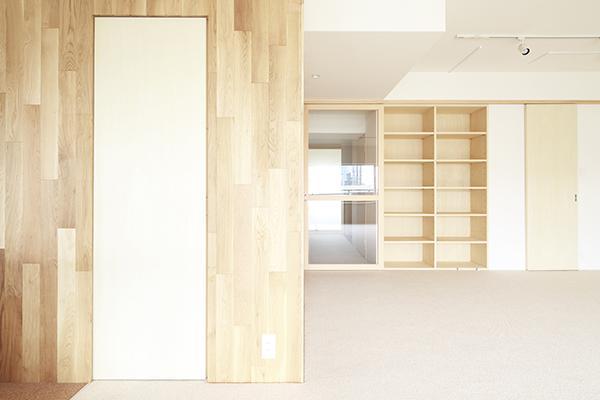 『知事公館前の家』おおらかで明るい空間づくりの部屋 LDK-効率収納