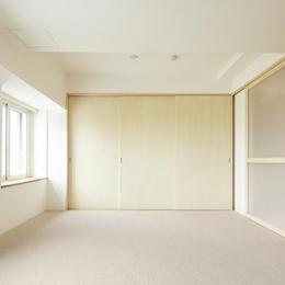 『知事公館前の家』書家のためのおおらかで明るい空間づくり (明るく開放的な寝室)