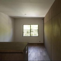 『二子玉川の家』風が通り抜ける落ち着きのある空間に (落ち着いた雰囲気の客間-2)
