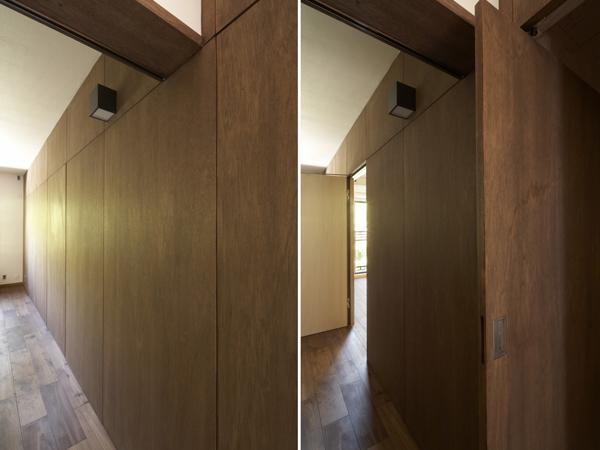 『二子玉川の家』風が通り抜ける落ち着きのある空間に (客間より寝室へ)