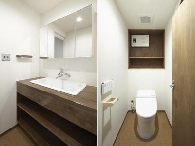 シンプルな洗面室・トイレ (『二子玉川の家』風が通り抜ける落ち着きのある空間に)