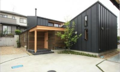 『多賀城のコートハウス』中庭を囲む2世帯住宅