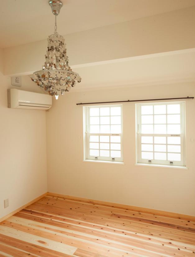 リフォーム・リノベーション会社:(有)ディー・エス・アイ「東京都目黒区・斜天井にパイン材を貼り、涼やかな空間に」