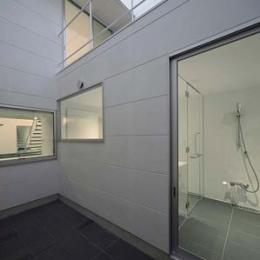 稲沢GH (開放的なバスルーム)