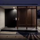 木格子のある玄関