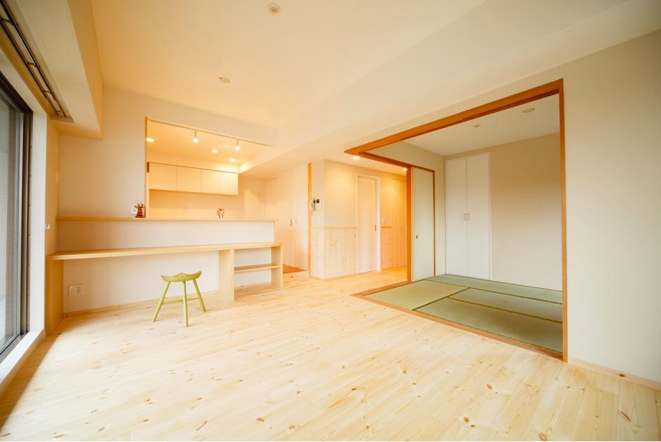 リフォーム・リノベーション会社:(有)ディー・エス・アイ「東京都荒川区・腰壁をポイントに、パインと珪藻土で統一したさわやかな空間へ」