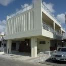 『H-house』自然素材の二世帯住宅の写真 白い二世帯住宅-外観1