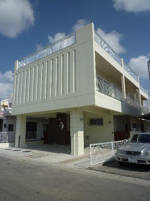 『H-house』自然素材の二世帯住宅 (白い二世帯住宅-外観1)