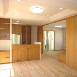 子供室と一体になる2階LDK (『H-house』自然素材の二世帯住宅)