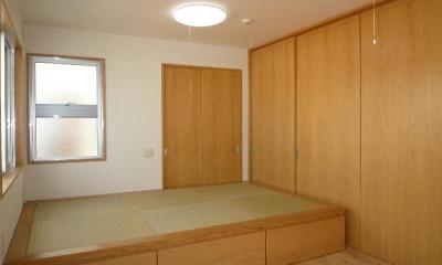 『H-house』自然素材の二世帯住宅 (畳スペースのある子供室)