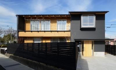 ガルバリウムと木を組み合わせた外観|『岡崎・城南町の家』明るく健康的な二世帯住宅