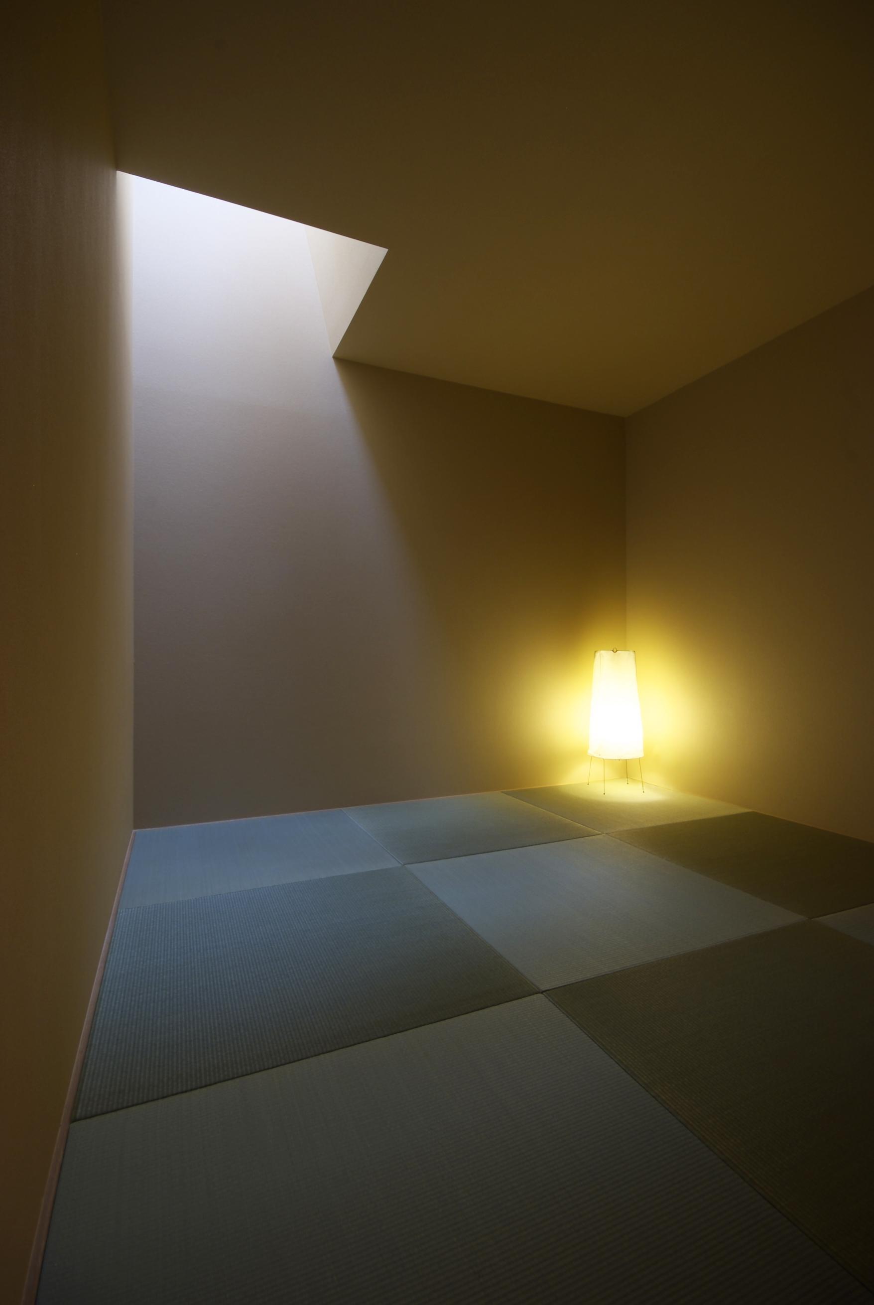 『蒲郡・西浦の家』時間がゆったり流れる寛ぎの平屋住宅の部屋 和室-落ち着いた空間