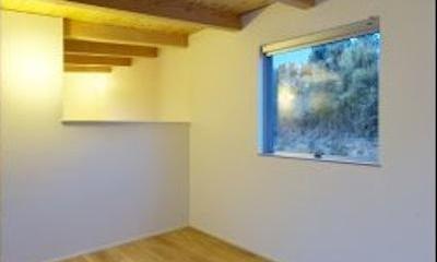 『蒲郡・西浦の家』時間がゆったり流れる寛ぎの平屋住宅 (シンプルナチュラルな寝室)
