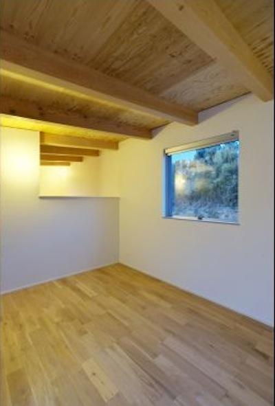 シンプルナチュラルな寝室 (『蒲郡・西浦の家』時間がゆったり流れる寛ぎの平屋住宅)