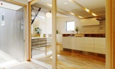 開放的な土間空間|『蒲郡・新井形の家』コンパクト&シンプルな住まい