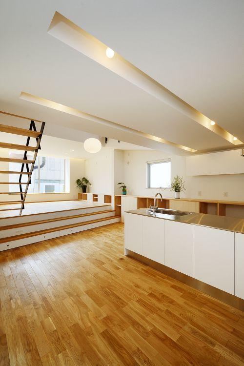 『蒲郡・新井形の家』コンパクト&シンプルな住まい (広がりのある明るいLDK)