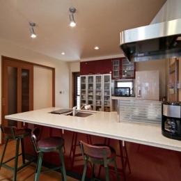 和風クラシックモダンな2世帯住宅-フルオープンカウンターのキッチン