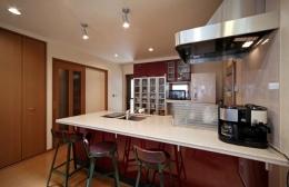 和風クラシックモダンな2世帯住宅 (フルオープンカウンターのキッチン)