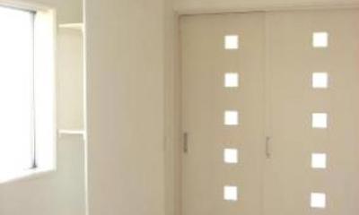 「カラフル・リフォーム」視覚で楽しむ家 (ホワイトで統一した洋室-2)