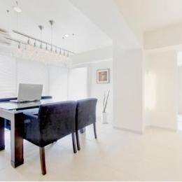 素材や設備を吟味した高級シンプルモダン空間-ダイニング-白を基調とした上質空間