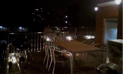 素材や設備を吟味した高級シンプルモダン空間 (夜景を楽しめるバルコニー)
