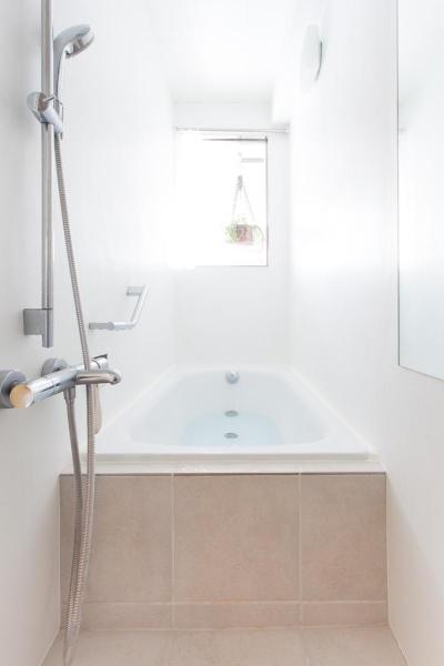 バスルーム (共働き夫婦が選んだ三世代が集う家  家族が多くても散らからない スッキリした暮らし)