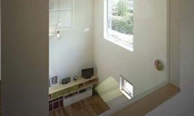 甲賀の家 (1階と2階を繋ぐ大きな室内窓)