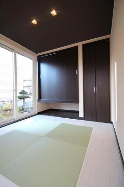 階段書斎のある家 (庭と一体感のある和室)