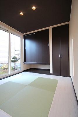 階段書斎のある家の写真 庭と一体感のある和室