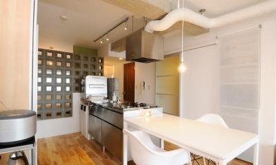 ステンレス素材のキッチン|お客様とコラボ。デザイナーズ・リフォーム