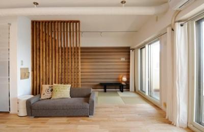 格子でゾーニングした畳コーナー (お客様とコラボ。デザイナーズ・リフォーム)