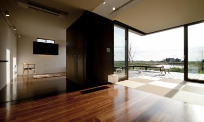 k house (リビング(撮影:© 村井 勇))