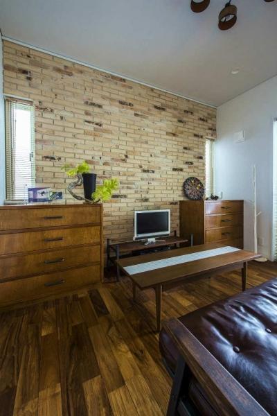 書斎 (モダンな暮らし、美しい「白」を基調とした家)