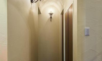 アーチ天井の廊下|大人ヨーロピアンスタイルの家