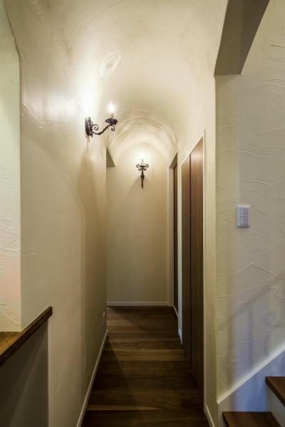 アーチ天井の廊下 (大人ヨーロピアンスタイルの家)