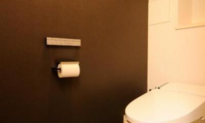 お客様とコラボ。デザイナーズ・リフォーム (マンホールのある斬新なトイレ)