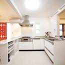 L型のオープンキッチン
