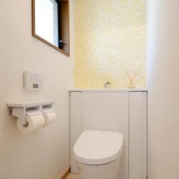構造体まで補修したリフレッシュリフォーム (爽やかなトイレ)