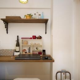 I邸・斜めに配置したキッチンで、動きと変化を (パソコンスペース)