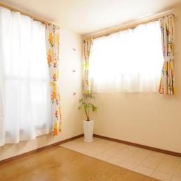 日本情緒漂う「蔵」とシンプルモダンのLDK (3階サンルーム)