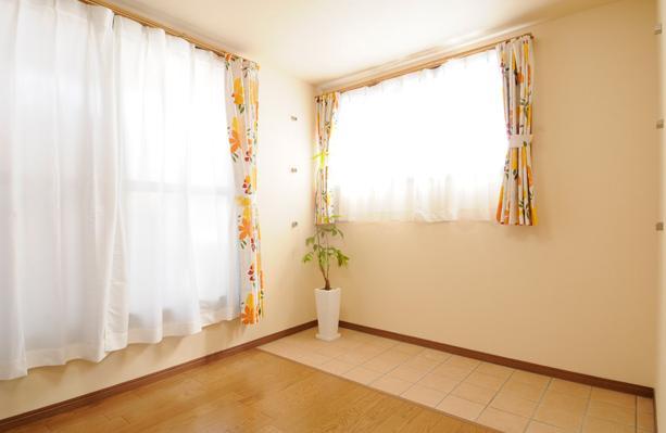 日本情緒漂う「蔵」とシンプルモダンのLDKの部屋 3階サンルーム